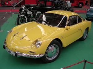 Элегантный Alpine А108 – работа итальянского стилиста Джованни Микелотти