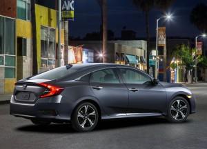 Honda Civic 10 поколения, вид на заднюю диагональ