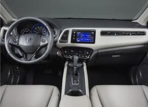Новый Honda HR-V, передняя панель