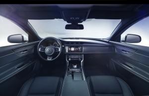 Jaguar XF 2015, передняя панель
