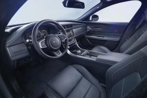 Новый Jaguar XF, передние сиденья