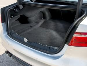 Jaguar XF 2015, багажник