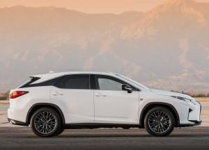 Lexus RX 2015, вид сбоку