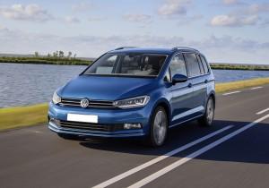 Volkswagen Touran 2015, вид спереди