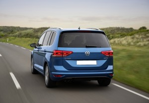 Новый Volkswagen Touran, вид сзади