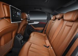 Новый Audi A4, задние сиденья
