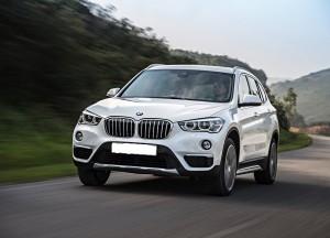 BMW X1 2015, вид спереди