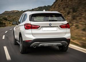 BMW X1 2015, вид сзади