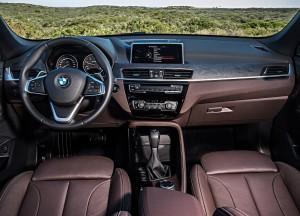 Новый BMW X1, передняя панель