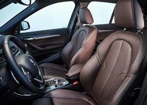 BMW X1, передние сиденья