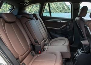 BMW X1 2015, задние сиденья
