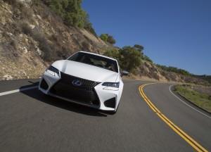 Lexus GS F 2015, вид спереди