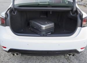 Lexus GS F 2015, багажник
