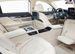 BMW 7 Series 2015, задние сиденья