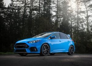 Ford Focus RS 2015, вид на переднюю диагональ