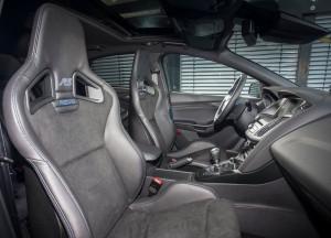 Ford Focus RS, передние сиденья