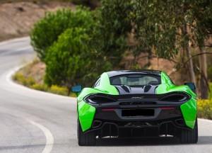 McLaren 570S 2015, вид сзади
