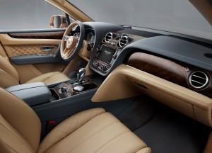 Bentley Bentayga 2016, передние сиденья