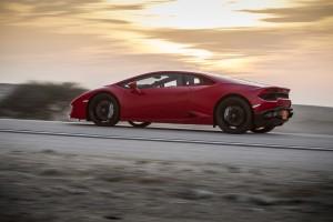 Lamborghini Huracan LP580-2, вид сбоку