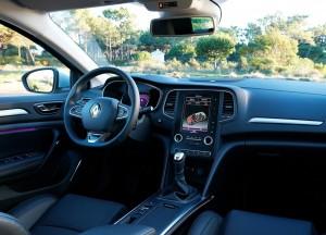 Новый Renault Megane, передняя панель