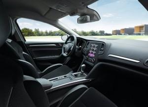 Renault Megane 2016, передние сиденья