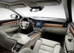 Volvo S90, передняя панель