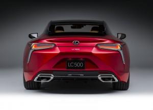 Lexus LC 500 2016, вид сзади