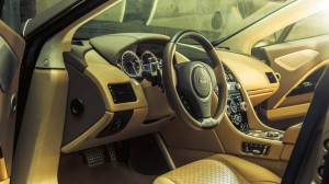 Aston Martin Lagonda Taraf, передняя панель