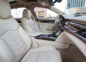 Новый Cadillac CT6, передние сиденья