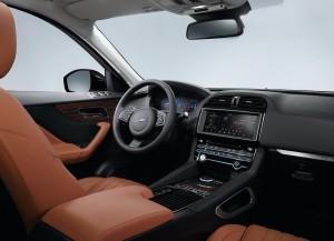 Новый Jaguar F-Pace, передняя панель