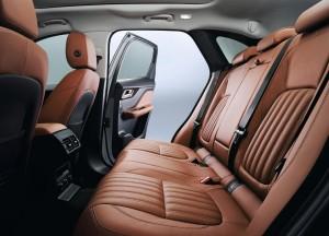 Jaguar F-Pace, задние сиденья