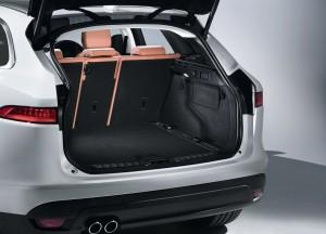 Jaguar F-Pace 2016, багажник
