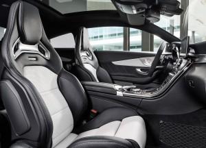 Mercedes-Benz C63 AMG Coupe, передние сиденья