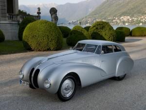 Обтекаемый BMW 328 Kamm Coupe выиграл в 1940 году гонку Mille Miglia