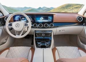 Новый Mercedes-Benz E-Class, передняя панель