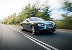 Новый Rolls-Royce Dawn, вид на переднюю диагональ