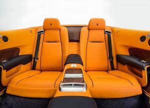Rolls-Royce Dawn, задние сиденья