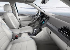 Новый Volkswagen Tiguan, передние сиденья