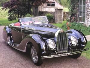 Этот Bugatti Type 57C Cabriolet создан дизайнером украинского происхождения Яковом Савчиком