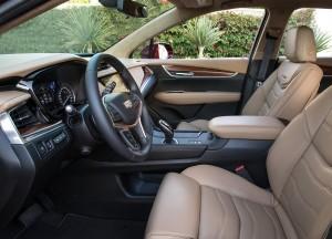 Cadillac XT5 2016, передние сиденья