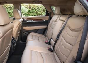 Cadillac XT5, задние сиденья