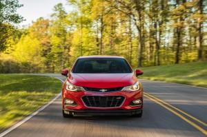 Chevrolet Cruze 2016, вид спереди