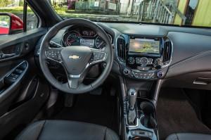 Новый Chevrolet Cruze, передняя панель