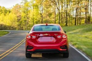 Chevrolet Cruze 2016, вид сзади