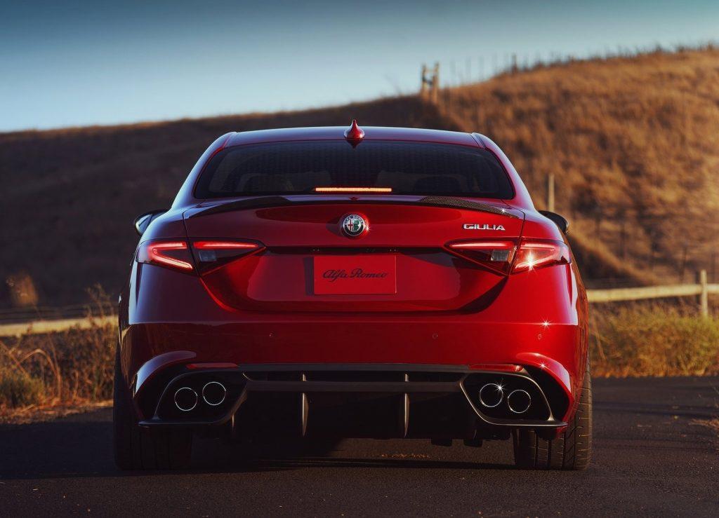 Alfa Romeo Giulia, вид сзади