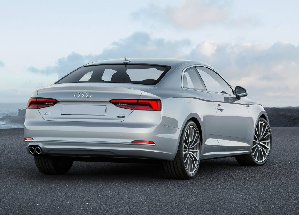 Audi A5 2016, вид сзади