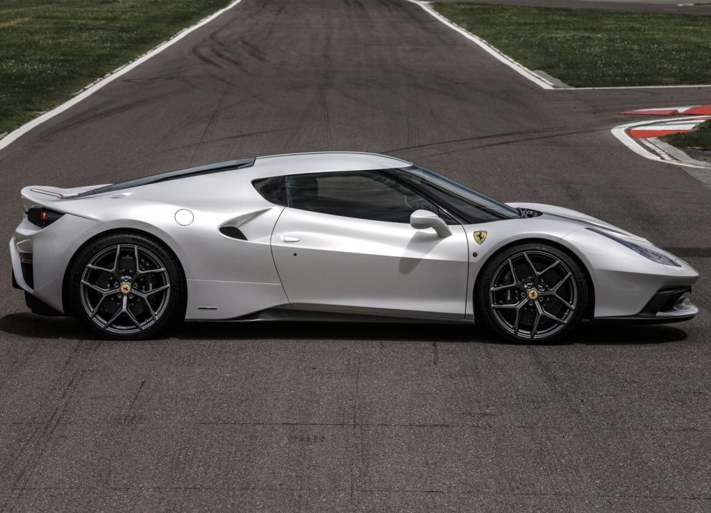 Ferrari 458 MM Speciale 2016, вид сбоку