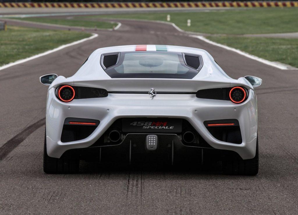 Ferrari 458 MM Speciale, вид сзади