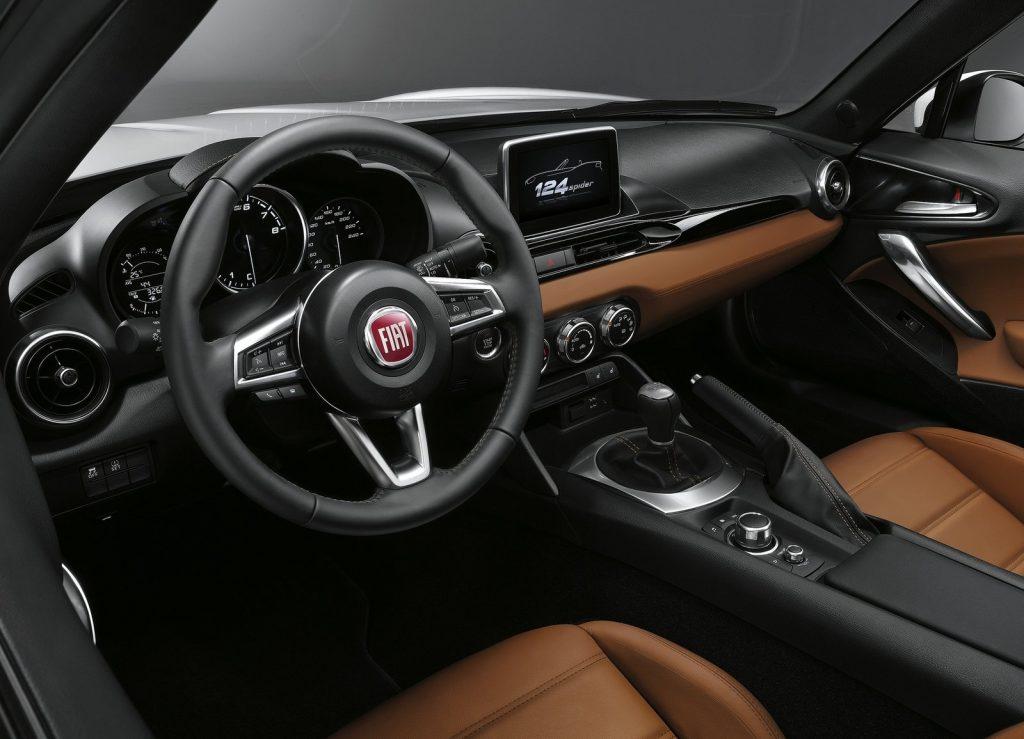 Новый Fiat 124, передняя панель