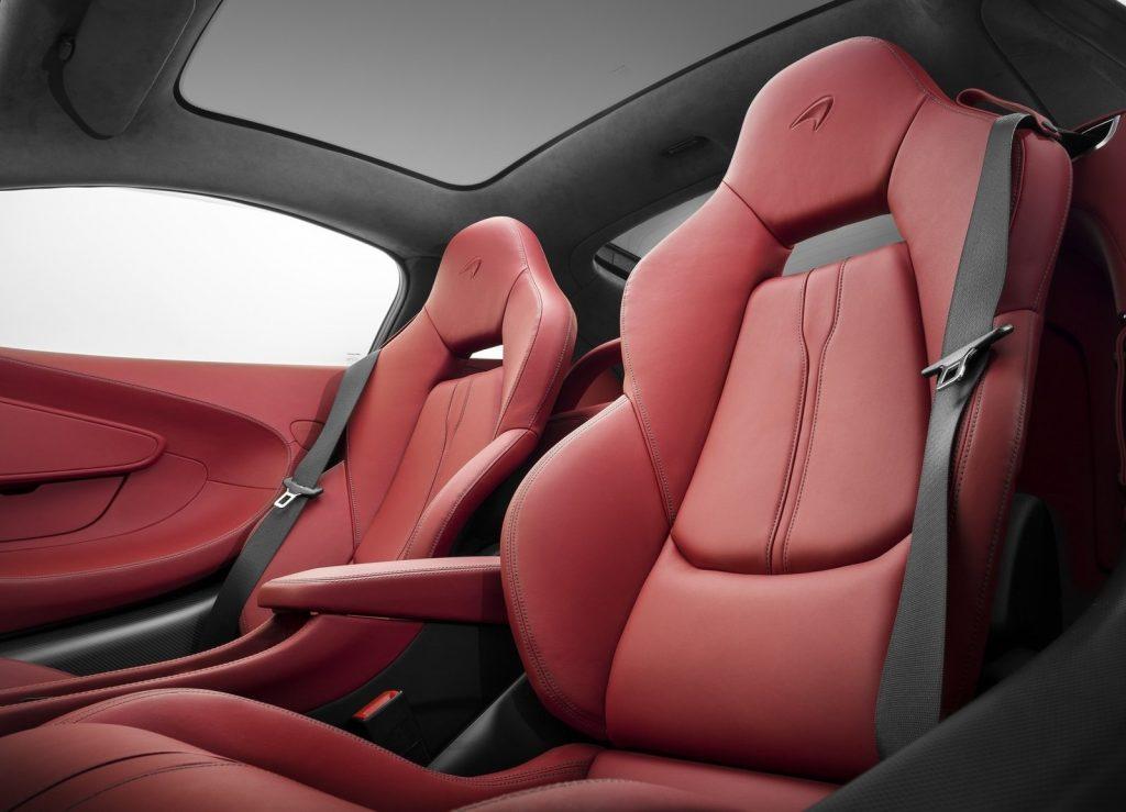 McLaren 570 GT, сиденья